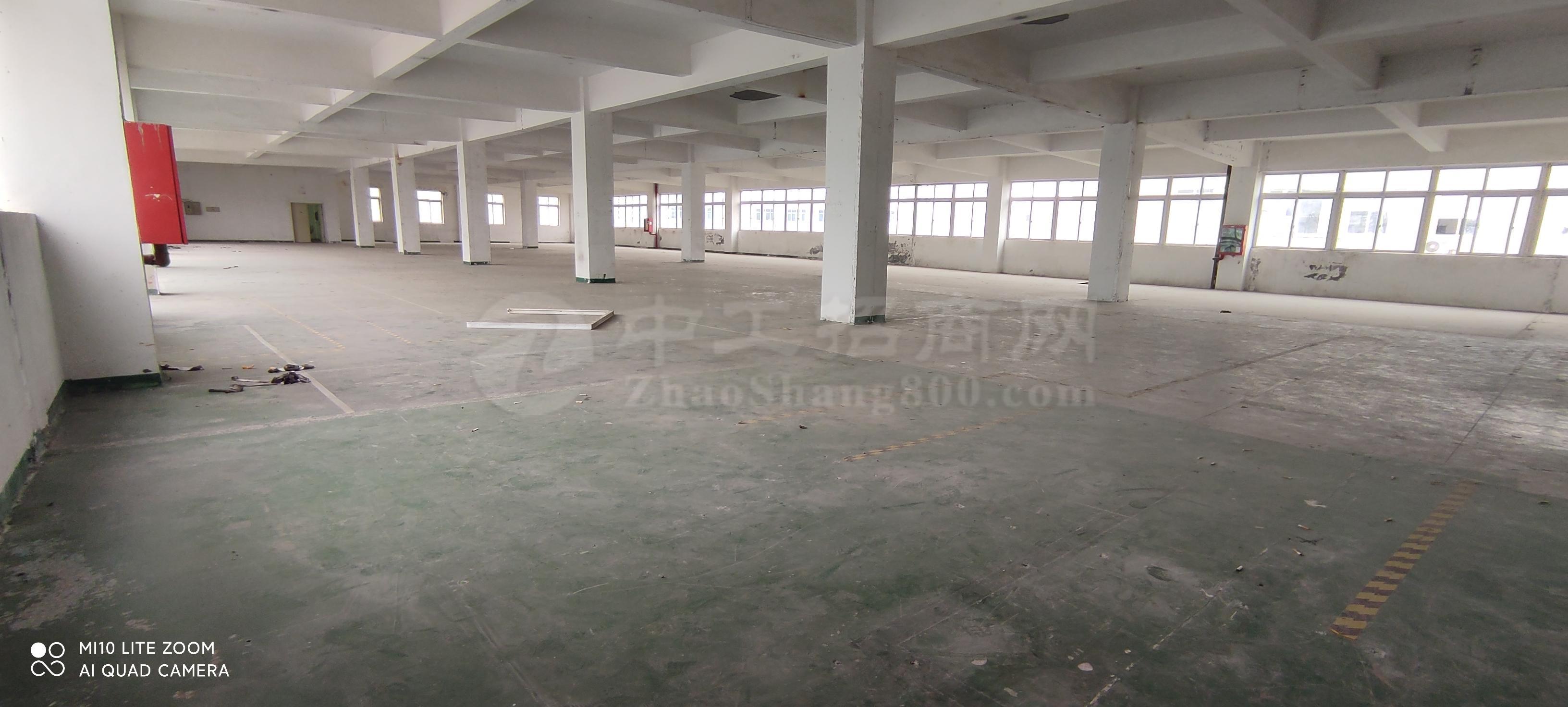 龙华大浪华霆路原房东红本工业区楼上1900平厂房出租仓库