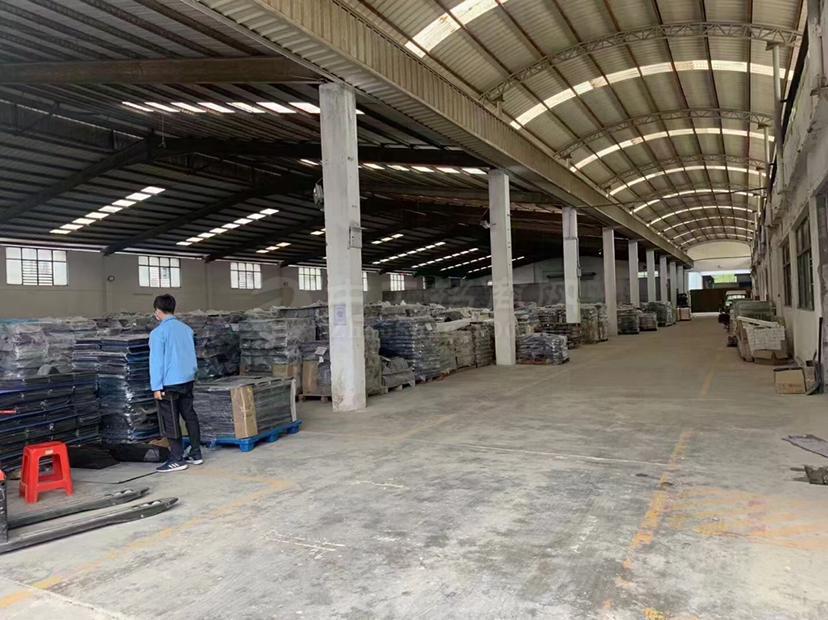 松岗燕川新出钢结构厂房2600平方米,无公摊,只能做仓库