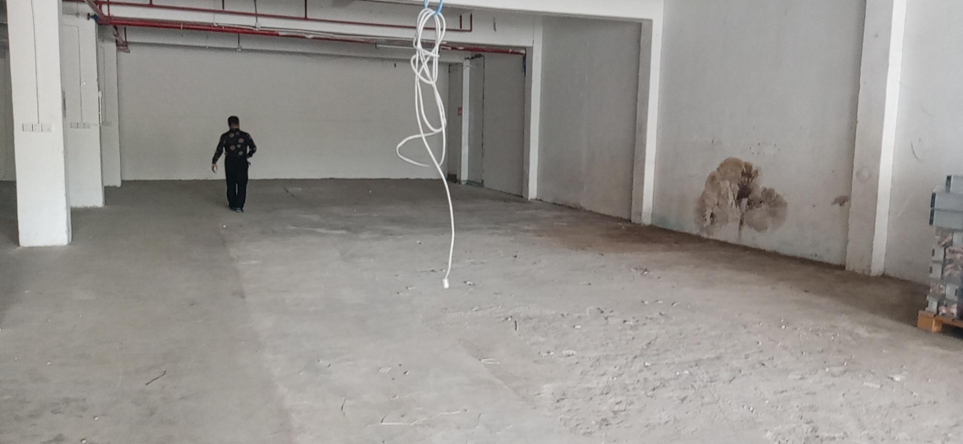 龙华双地铁口附近原房东一楼550平方仓库厂房出租可分租