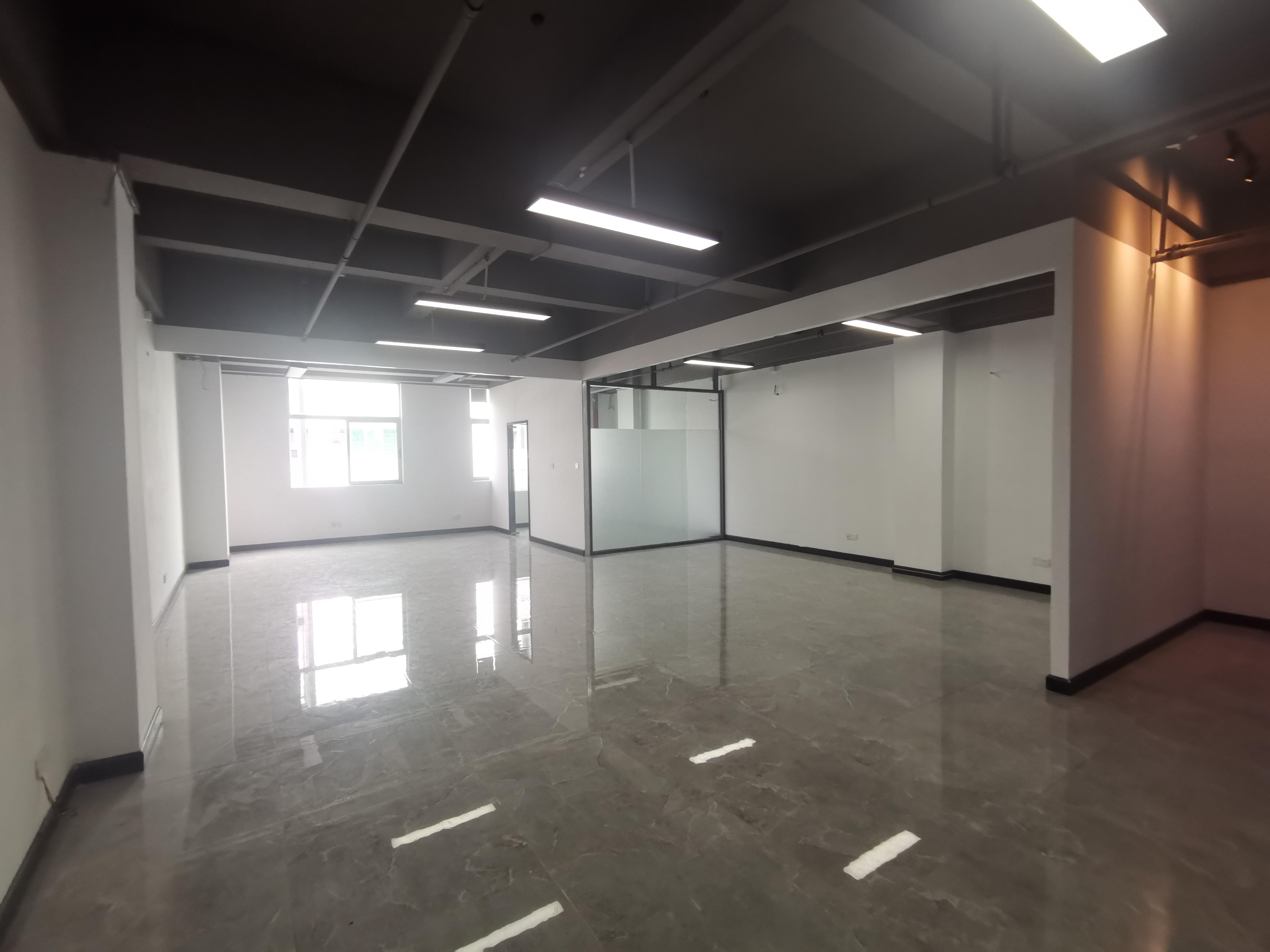西乡固戍750平带办公室仓库电商厂房出租