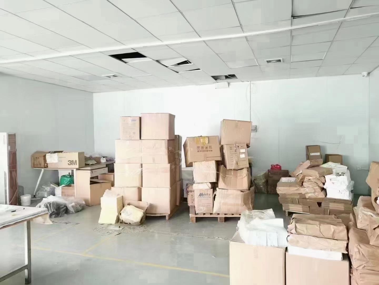 沙井镇北环路楼上420平精装修厂房出租,3间办公室,一个仓库
