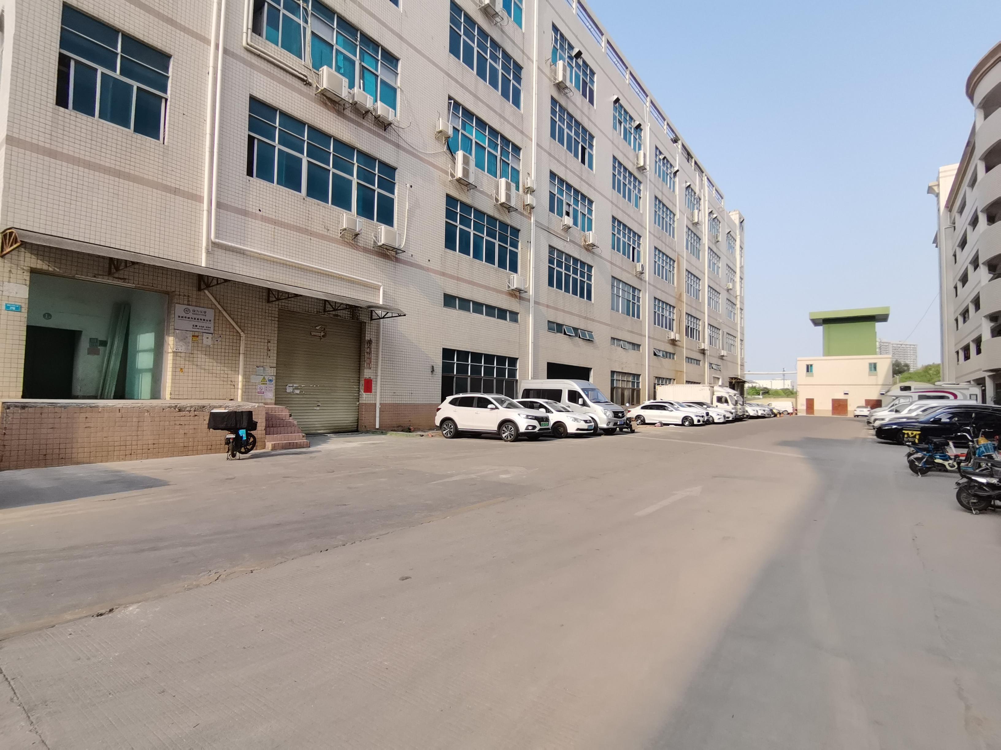 新出平湖工业园楼上500到3000平厂房仓库带装修出租