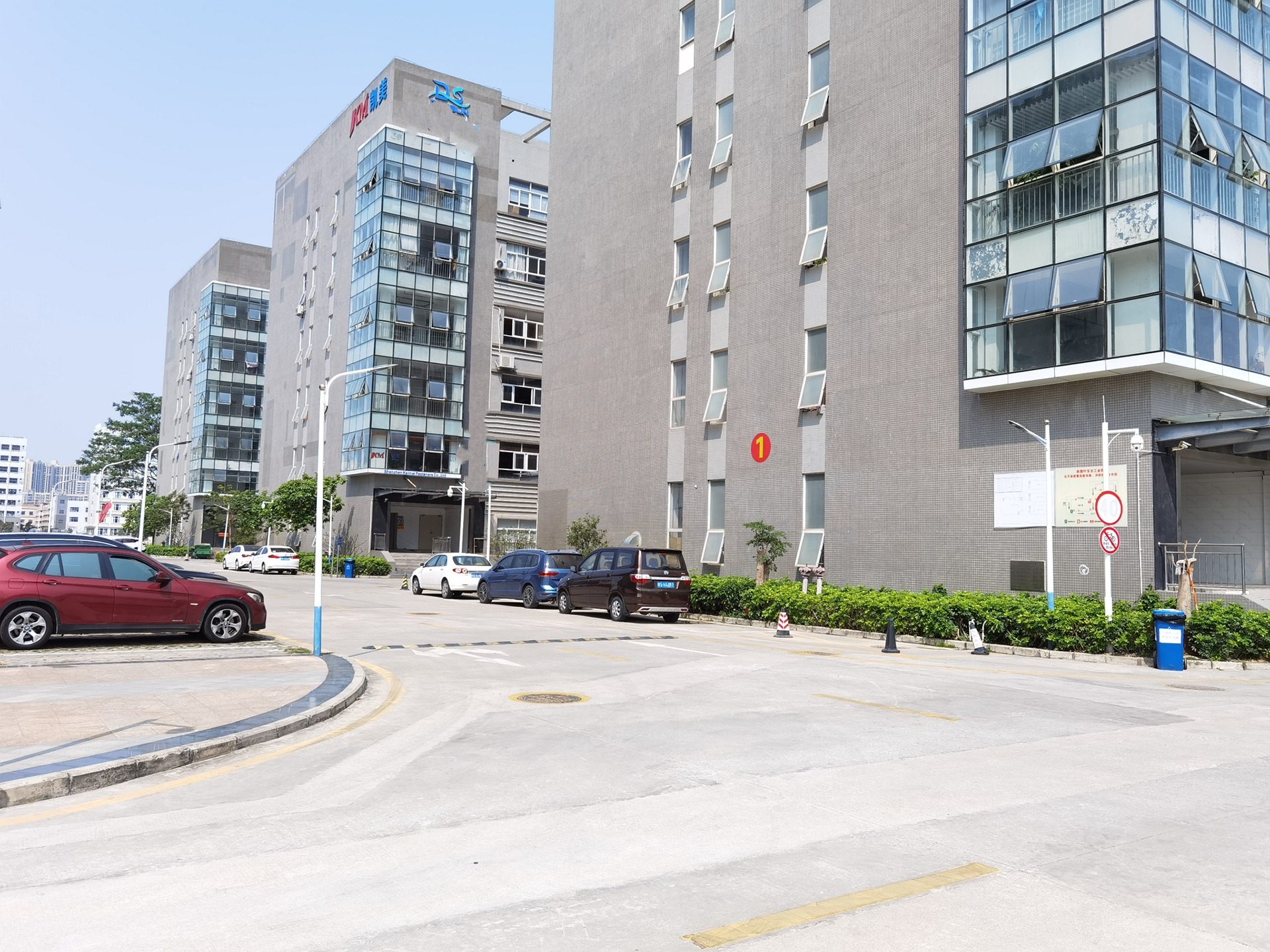 龙岗宝龙租客分租三楼整层1600平厂房仓库精装修带办公室可分