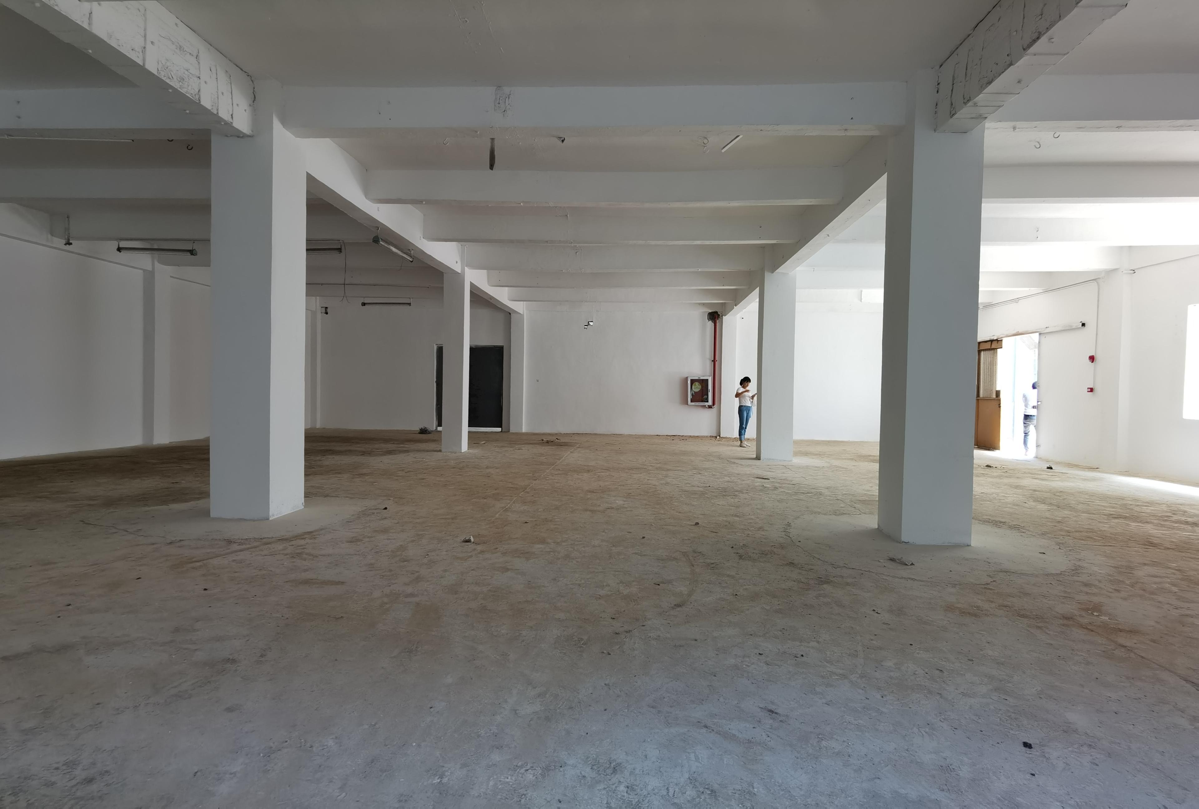 观澜牛湖大园区一楼仓库首先480平标准厂房出租