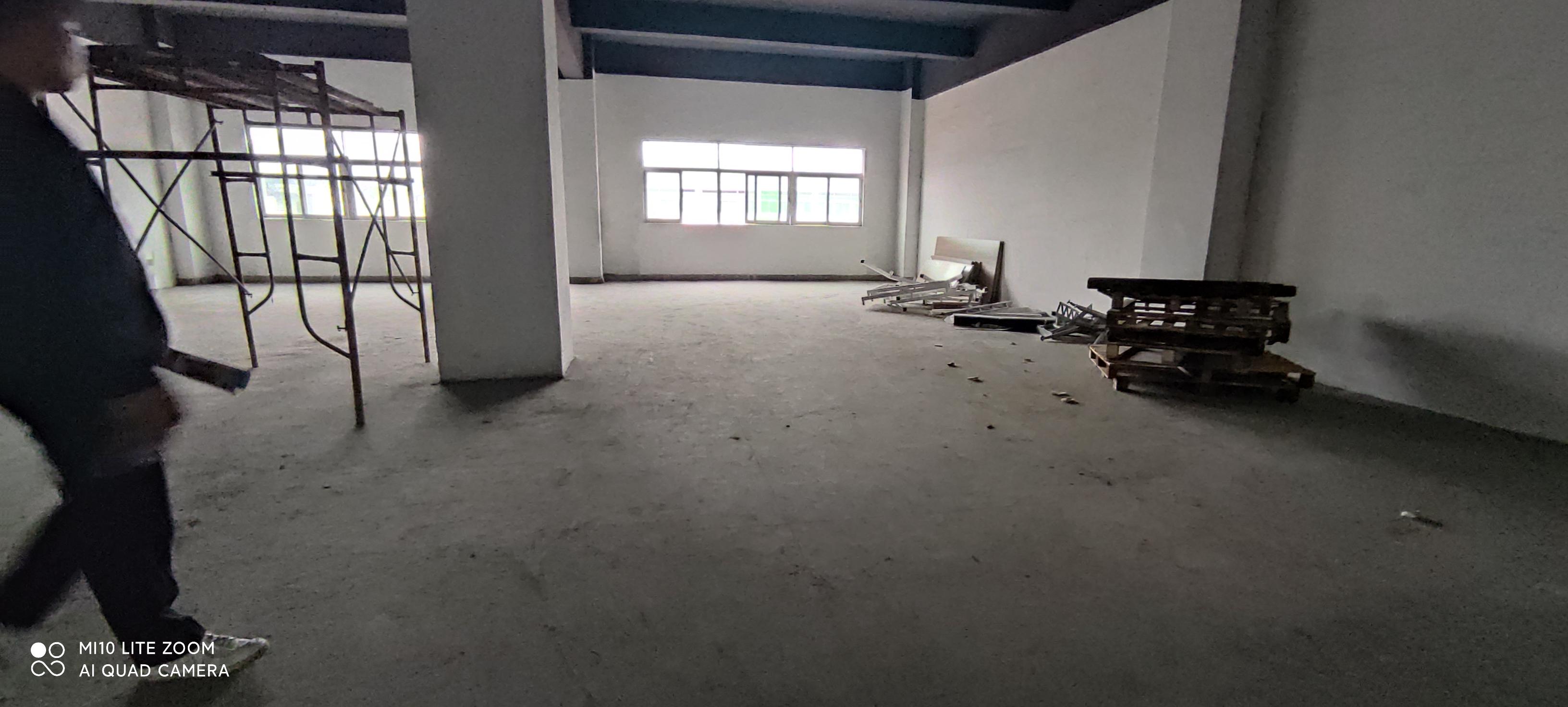 龙华大浪红本园区带卸货平台楼上380平加工仓库厂房出租