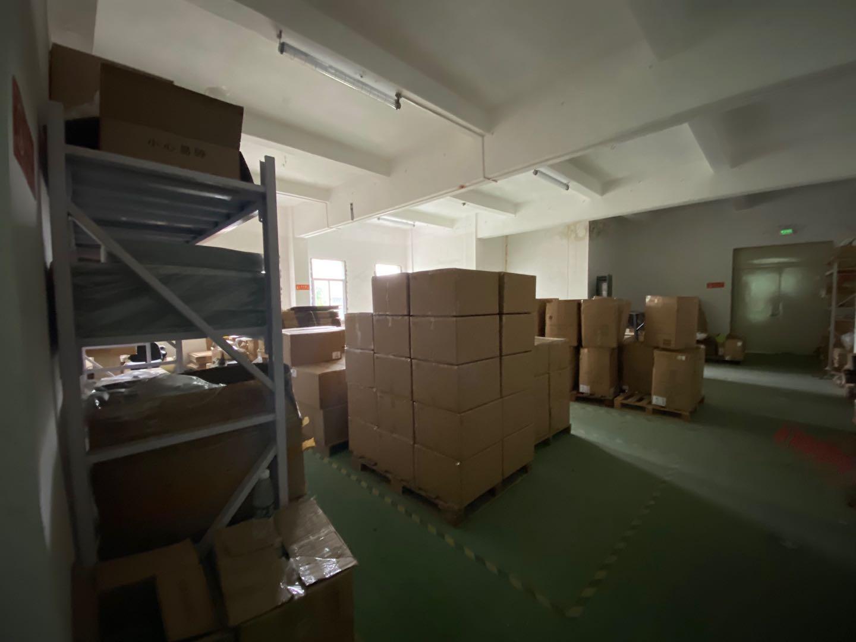 平湖地铁口旁新出1000平厂房仓库出租,带红本,原房东