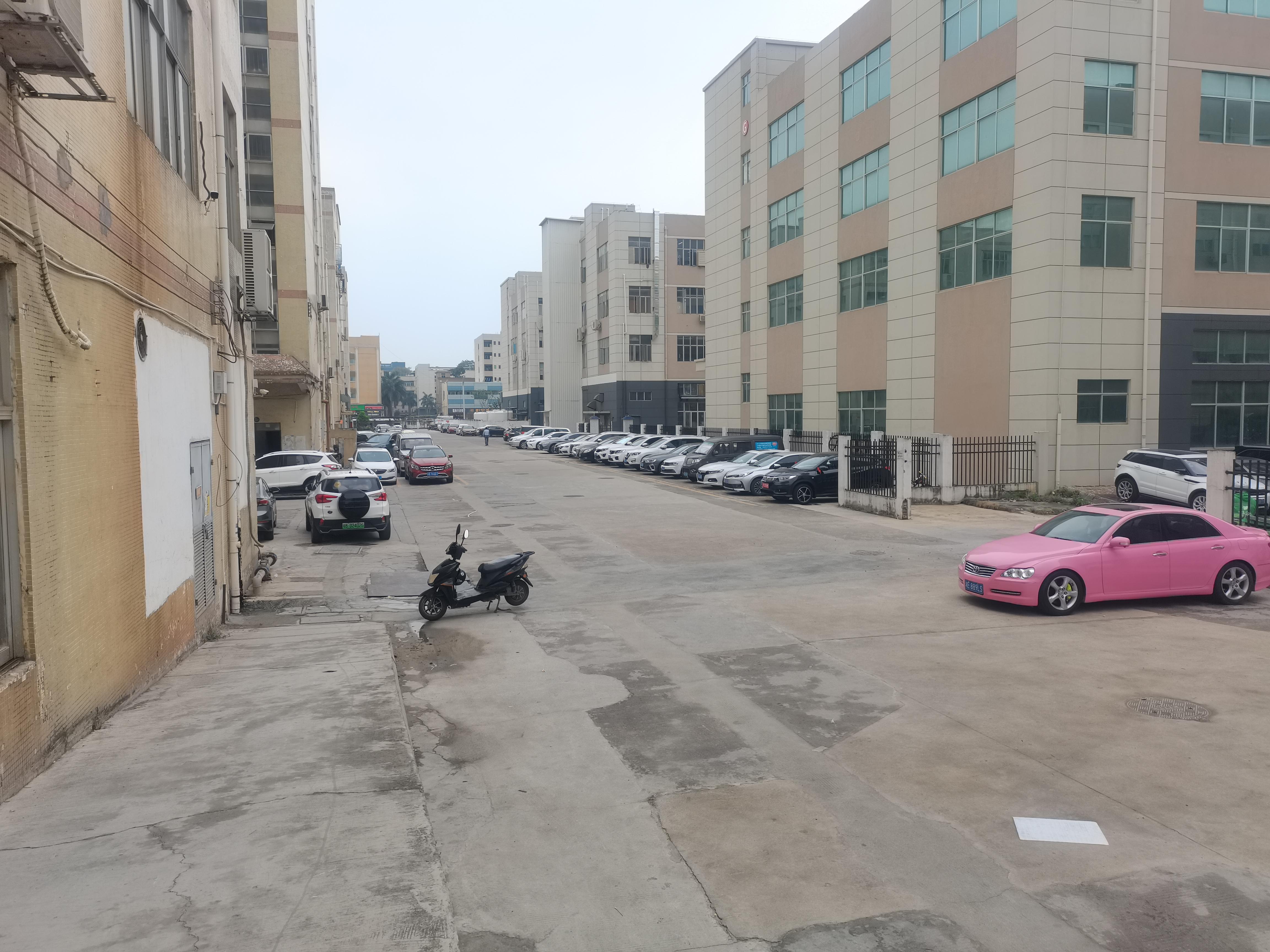 福永和平原房东楼上2000平实际面积厂房仓库出租