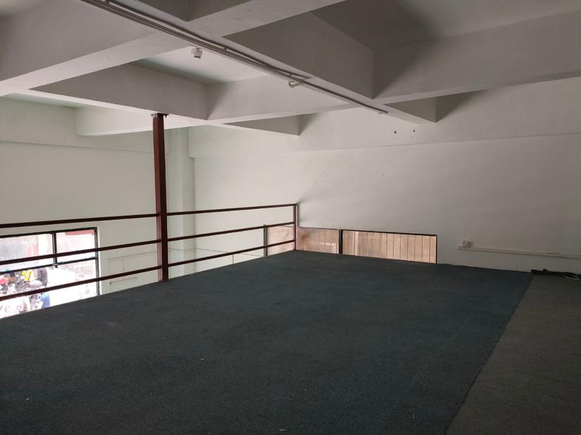 西乡固戍一楼标准厂房出租,可做商铺、办公、仓库
