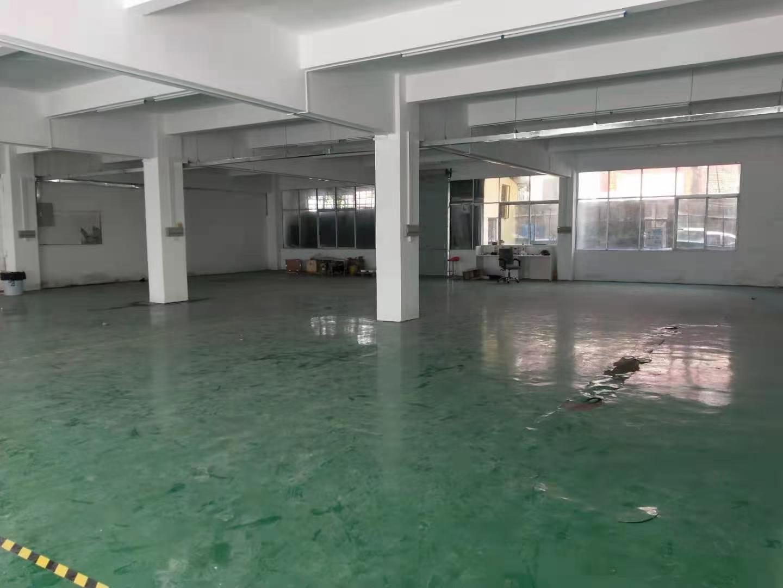平湖山厦稀缺一楼630平方厂房仓库
