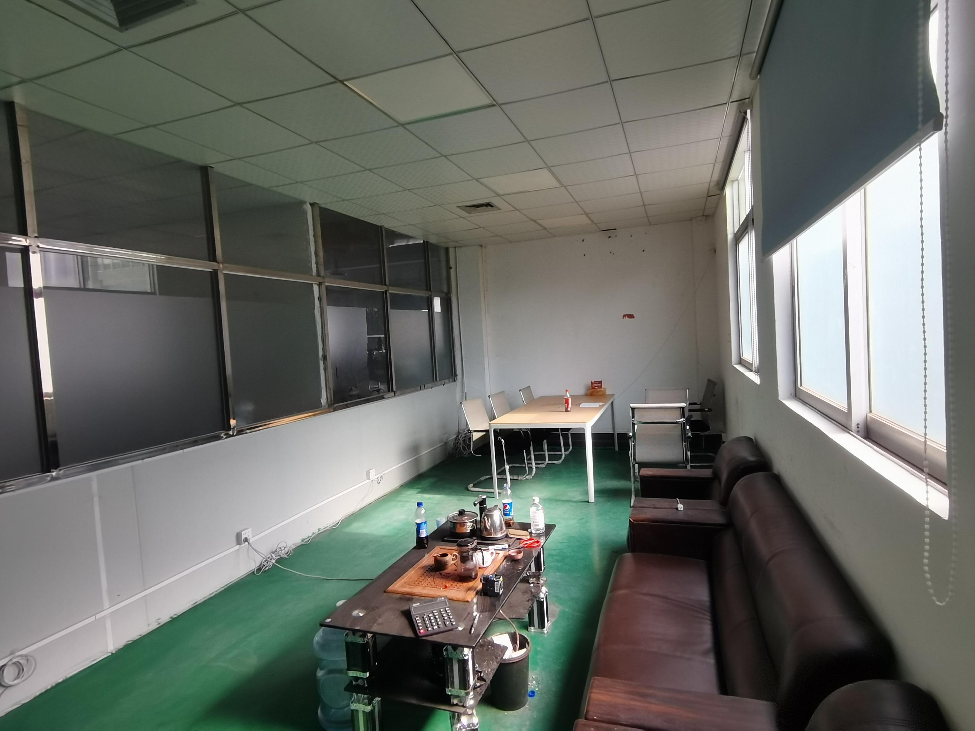 福永塘尾凤塘大道边楼上800平厂房仓库出租