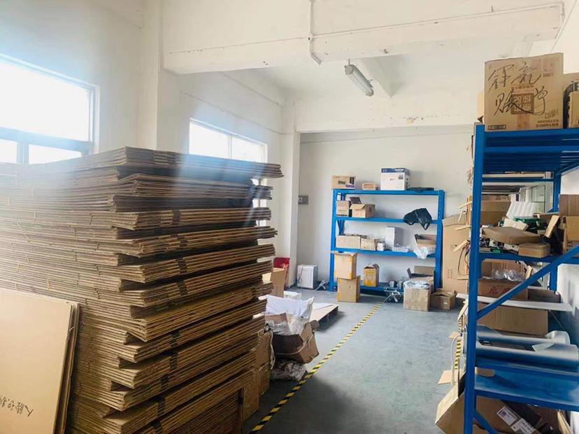 观澜福民福前路边,新出整层628平标准厂房带办公室仓库