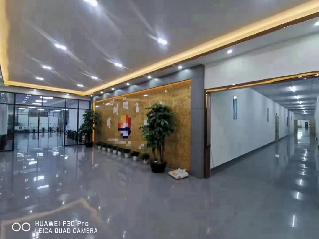 福永桥头楼上3000平豪华装修厂房仓库转让