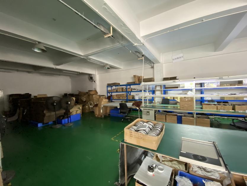 民治中心区厂房1300平,带装修带仓库,可办公