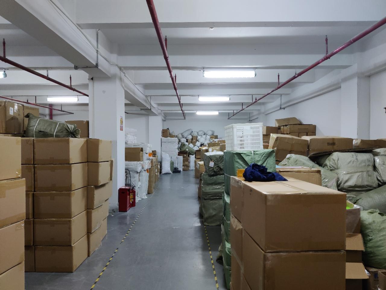 布吉秀峰甘坑地铁口一楼3650平物流仓库出租