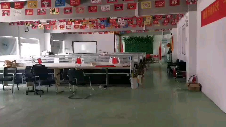龙城地铁口龙岗原房东电商仓库厂房1300平出租水电齐全