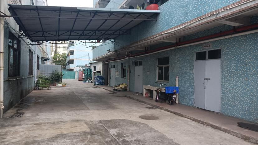 五联路工业区,厂房一楼400平,空地大,做仓库非常适合