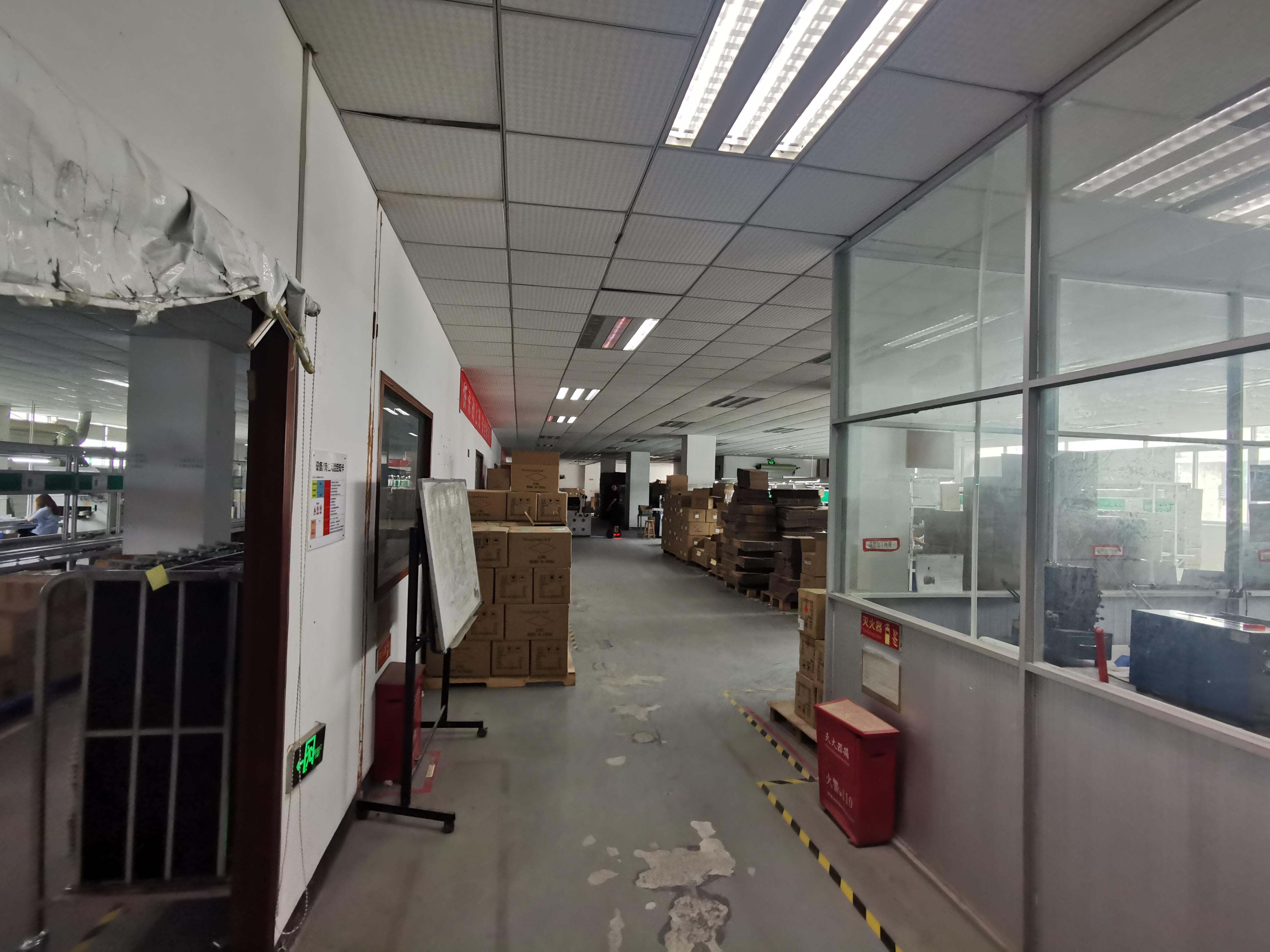 观澜福民新出楼上1100平精装修水电齐全厂房仓库出租