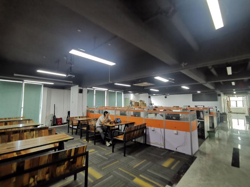 龙华明治2260整层厂房精装合适电商仓库