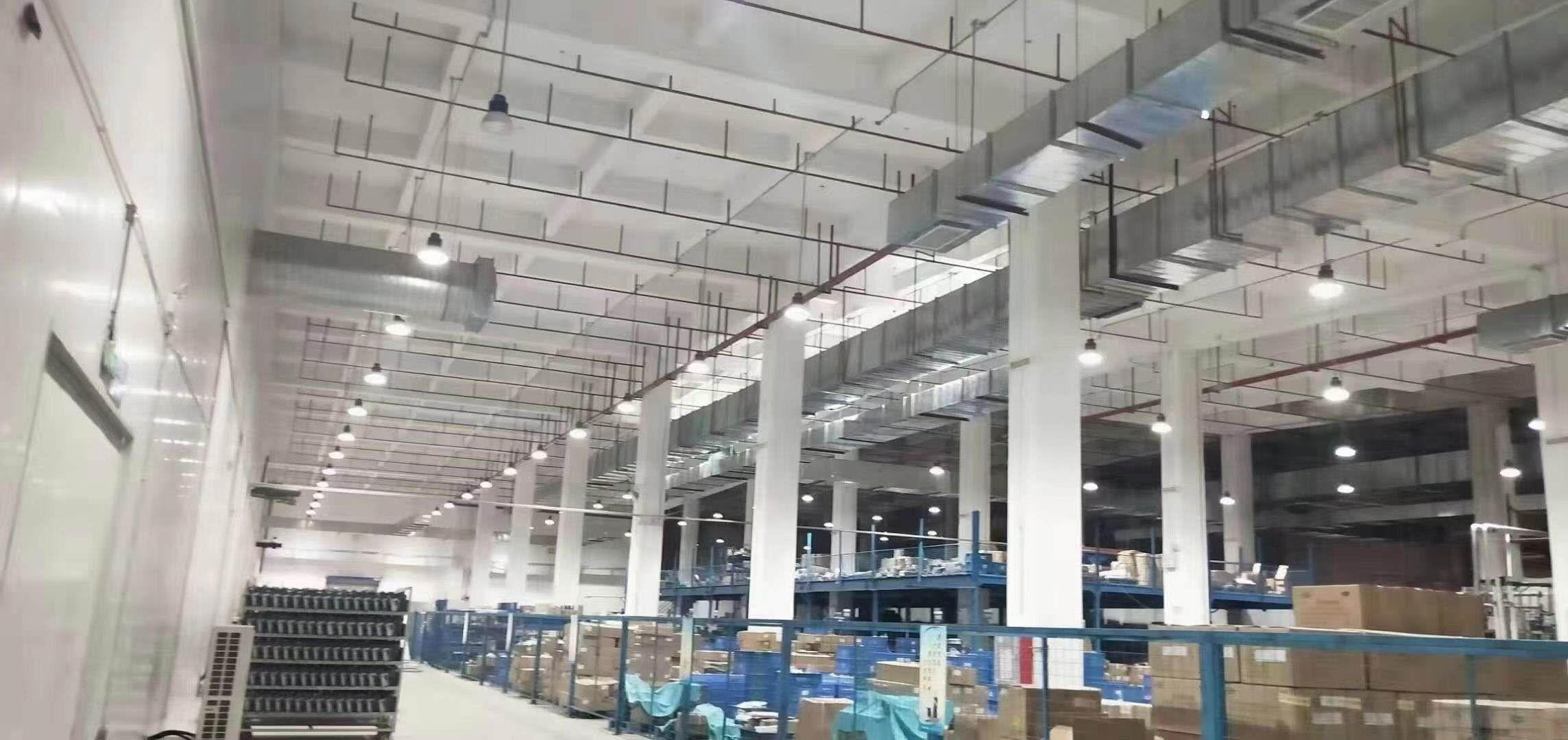 龙岗宝龙工业园3万平带卸货平台层高七米,物流园仓库非常合适