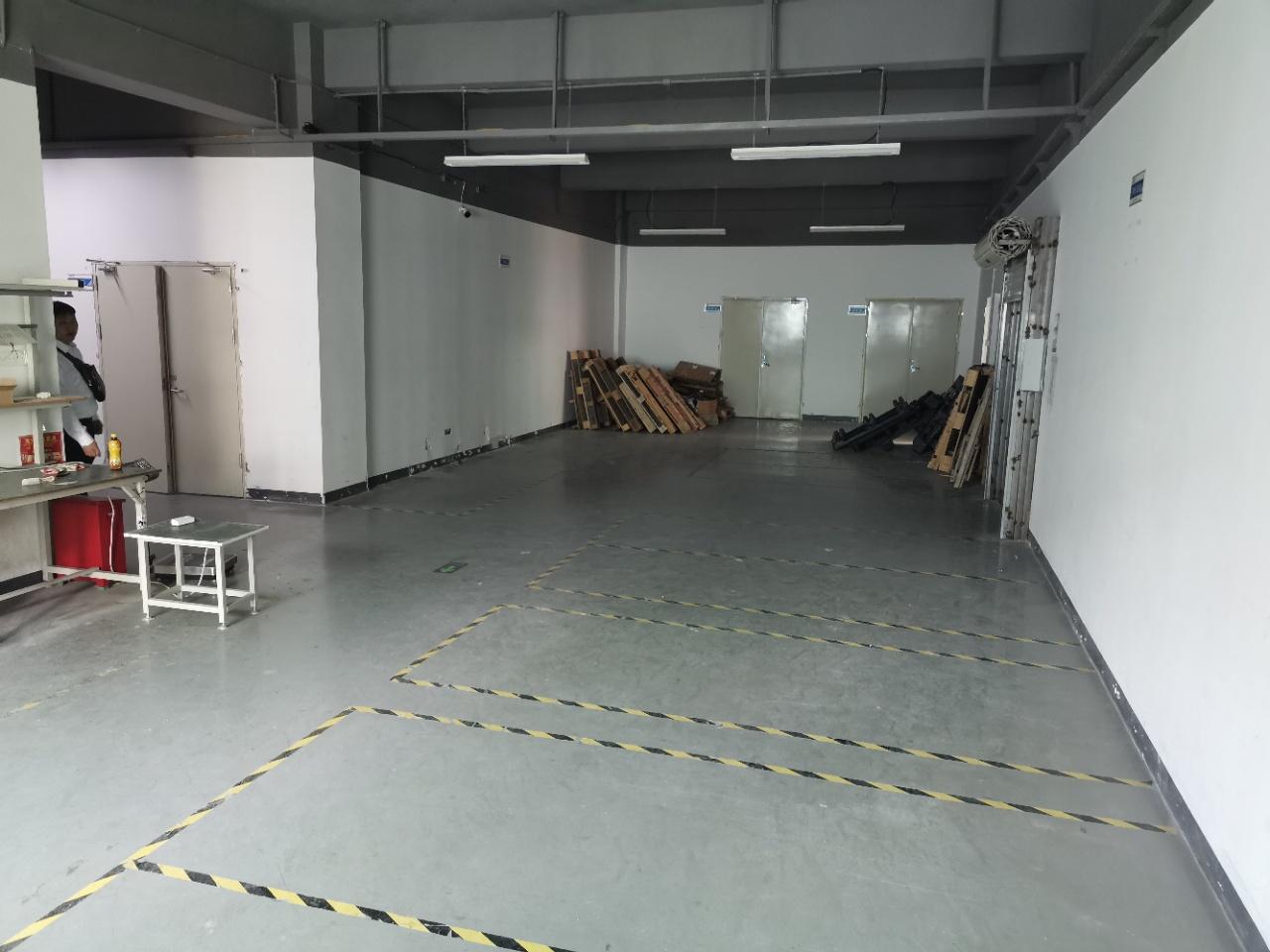 龙华大浪元芬地铁口零距离700平,可办公+仓库