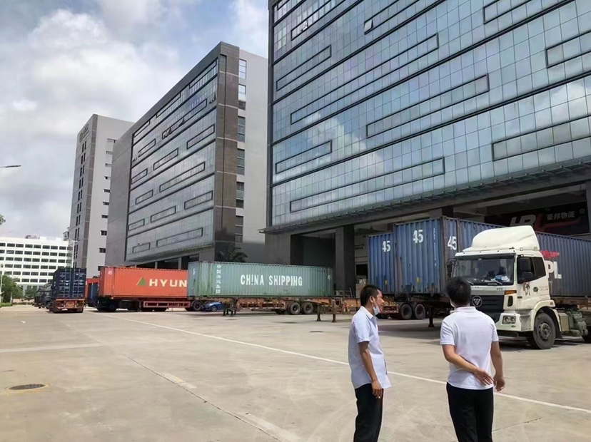 龙华布吉李朗新出一楼物流仓库首选地,标准卸货平台,层高8米,