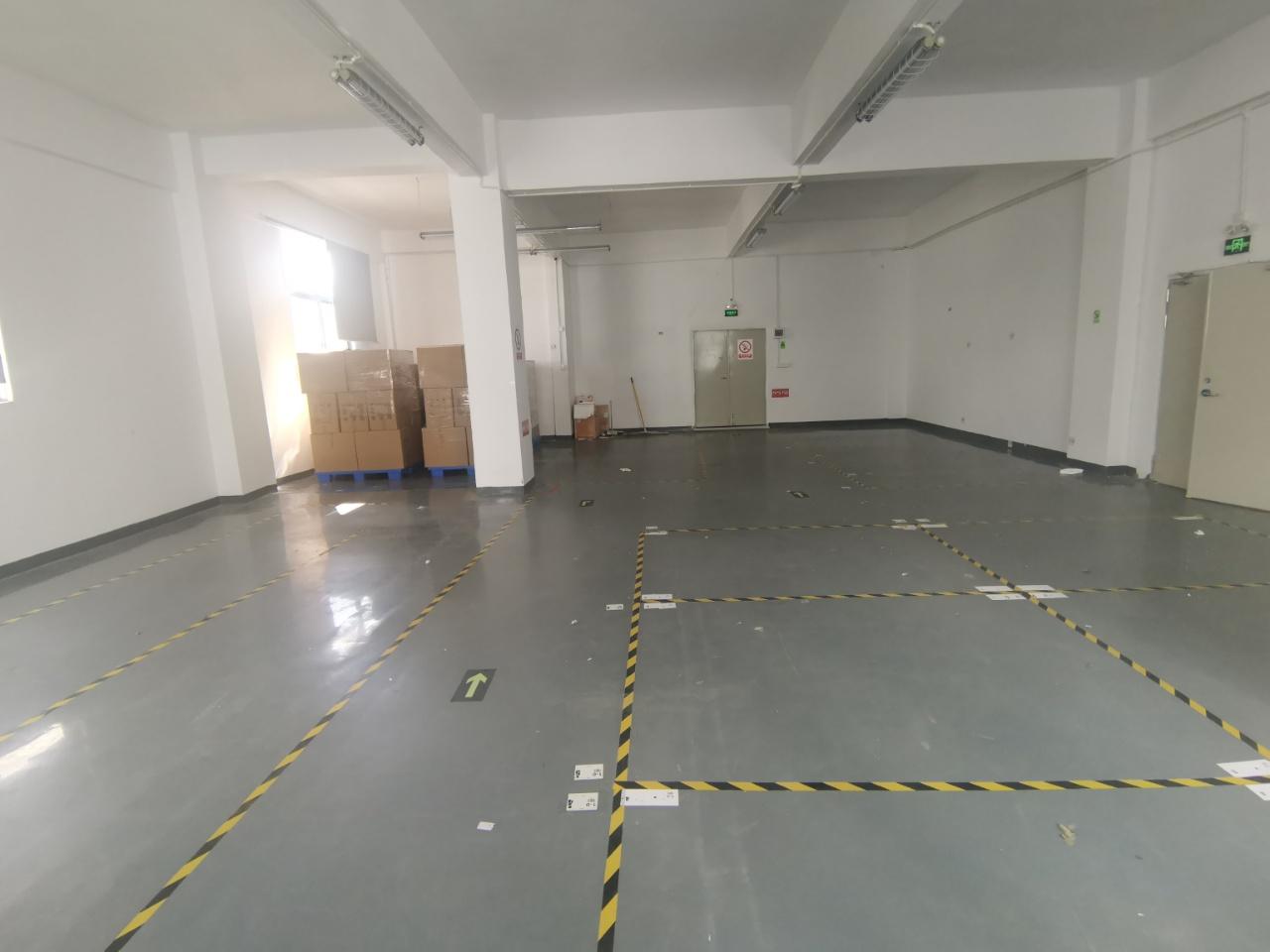 龙华民治地铁口产业园新出360平厂房,适合电商仓库电子研发
