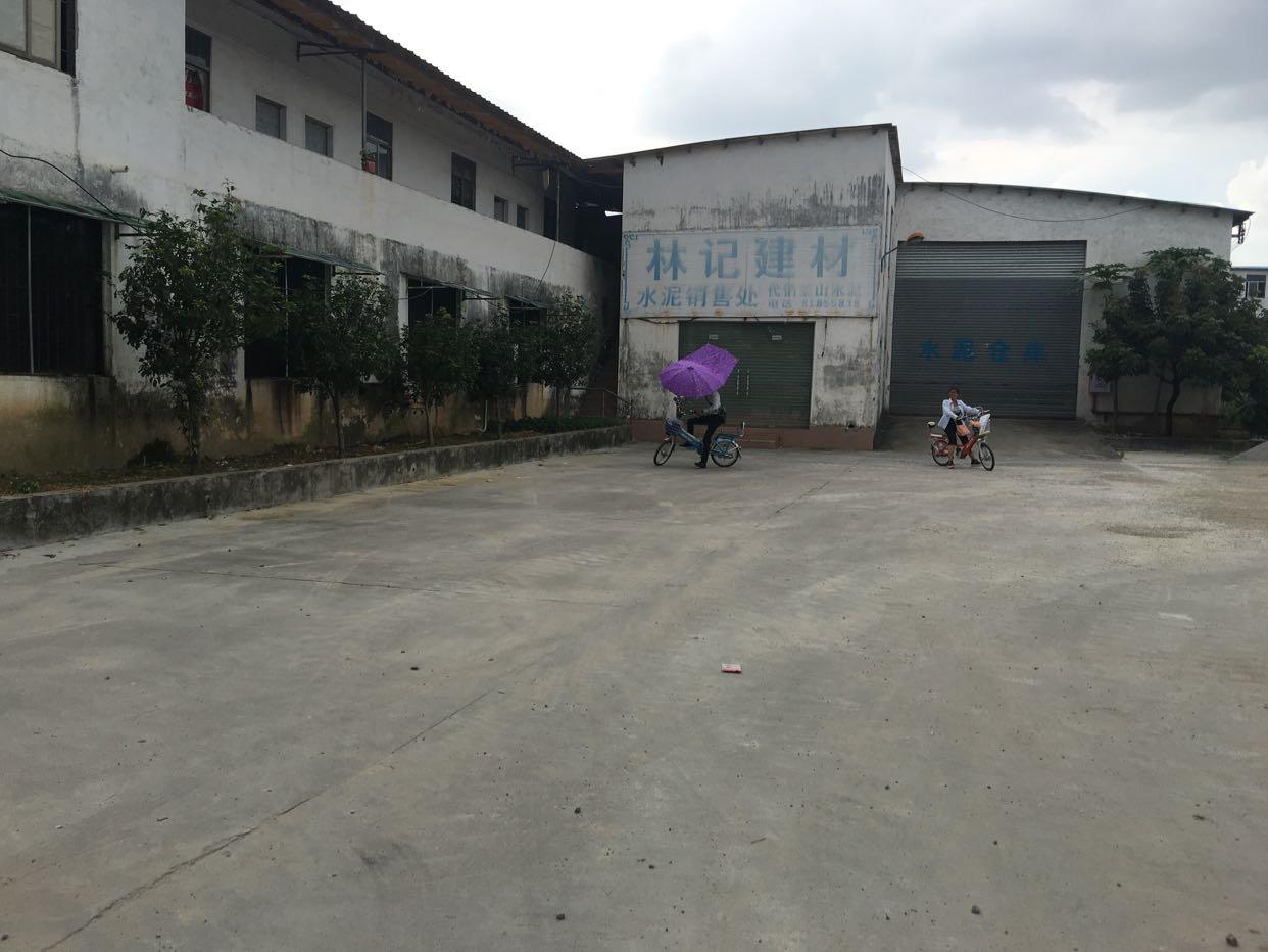 茶山单一层厂房1400平方空地2000平租10元