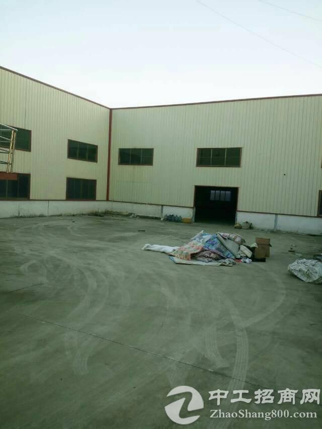 塘厦镇2500平方8米高钢构厂房出售
