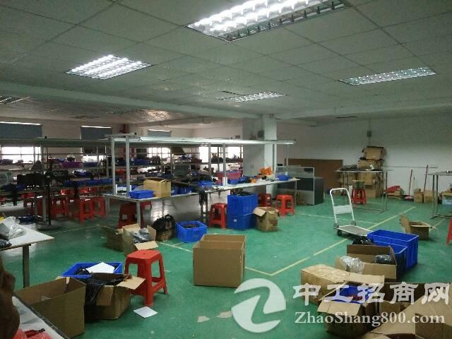 福永汽车站对面2楼800平方电子厂急租-图3