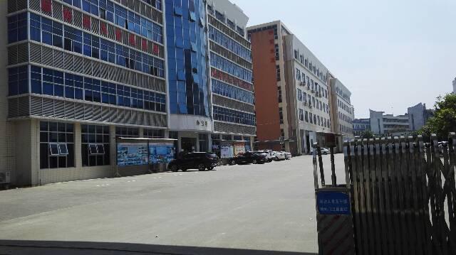 松岗高速出口附近原房东大型工业园二楼出租2280平方有办公室