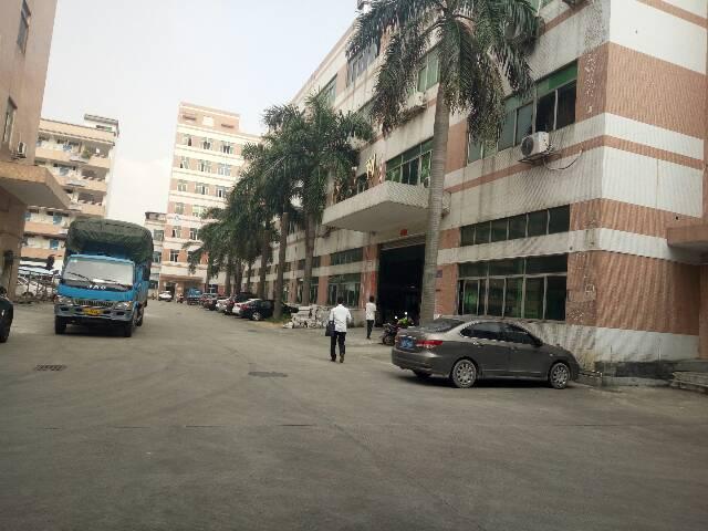 福永宝安大道独院1-4层6500平米厂房出租