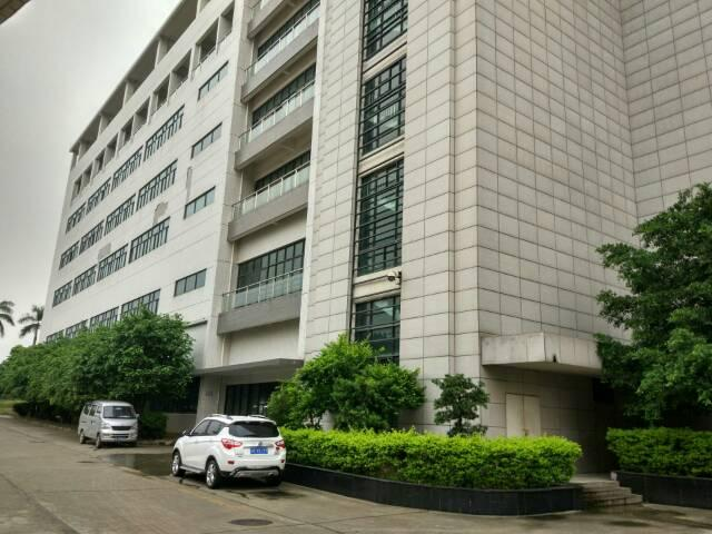 松岗燕川新出楼上厂房2000平方米低价招租
