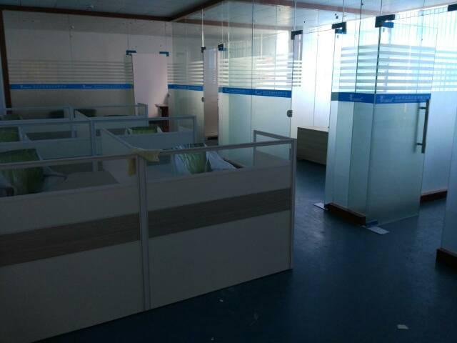 松岗燕川新出楼上厂房2000平方米13元低价招租