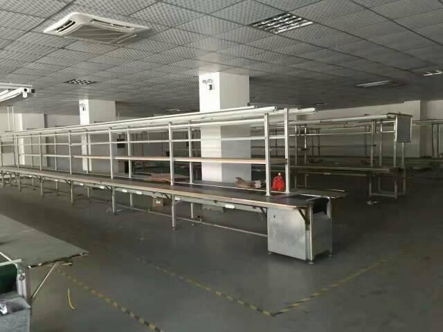 福永107国道边楼上带装修厂房2400平米
