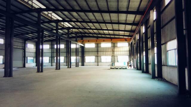 公明楼村新出带办公室装修10高钢构出租