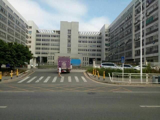 龙华清湖产业园新空出楼上2700平米厂房招租