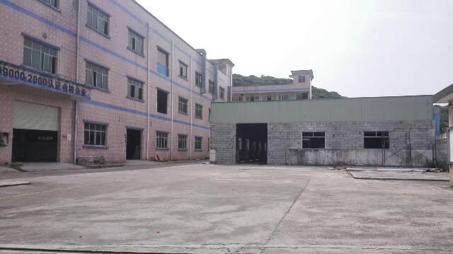 清溪靠凤岗二楼带装修厂房560平米出租