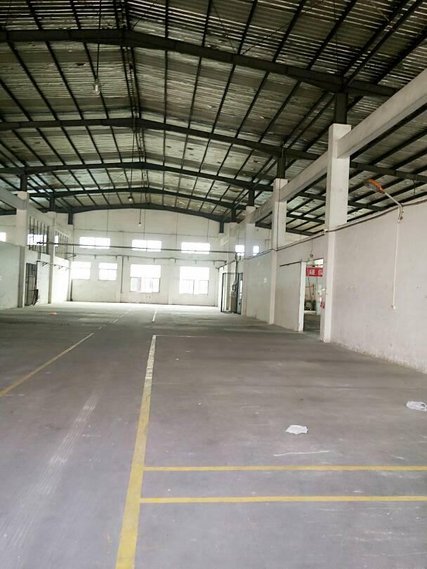 龙华新区距离清湖地铁站500米处有10米高钢构