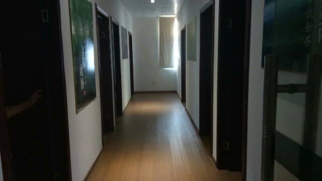 整栋招租,证件齐全,豪华装修,镇中心地段宾馆招租