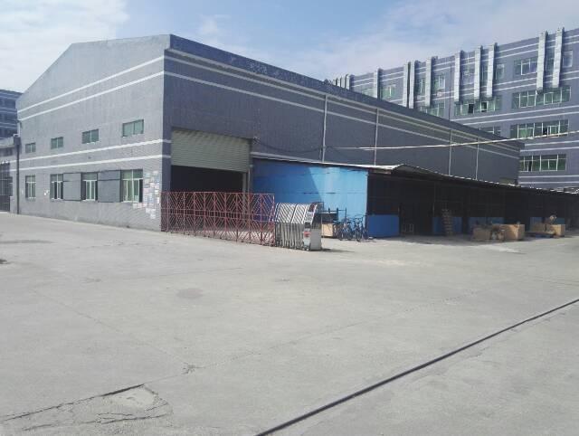 坪山新出滴水8米高的钢构厂房1360平米出租