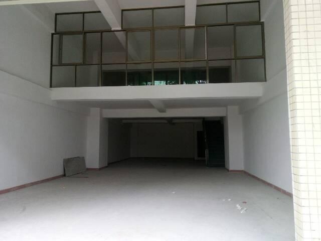 福永塘尾一楼200平方米带阁楼厂房出租