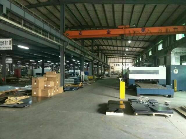 常平独院厂房钢结构8500平米,有行车,办公楼1-4层350