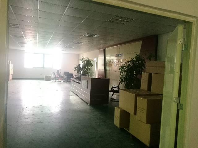 福永楼上整层1850平厂房出租有装修