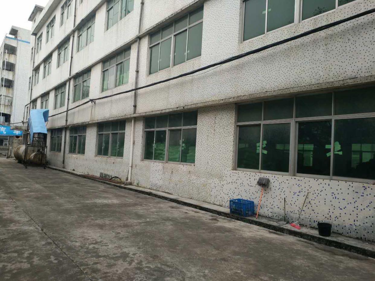 福永107国道边楼上带装修1500平米出租