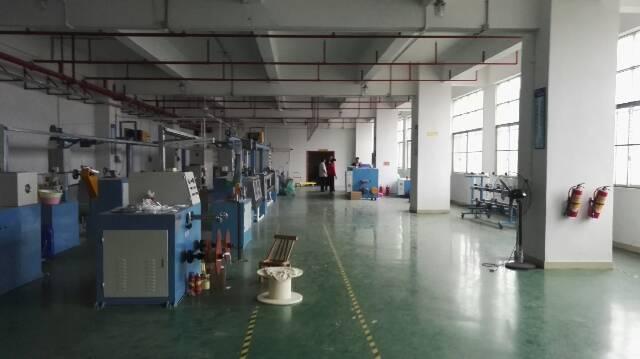公明镇 新出楼上精装修厂房960平米可分300平米