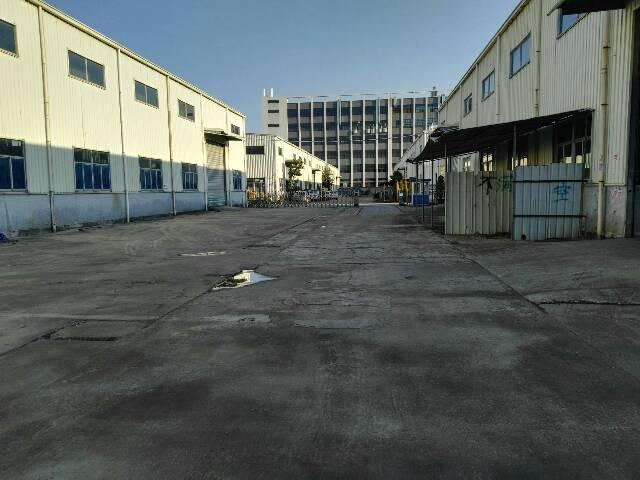 松岗新出独门独院钢构带10吨行车有装修2300平米厂房低价出
