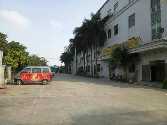 深圳龙华街道清湖红本厂房出售:厂房占地6700建筑10100