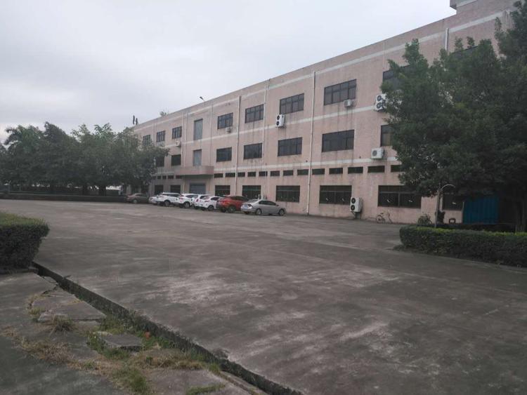 清溪新空三楼标准厂房3800平方出租