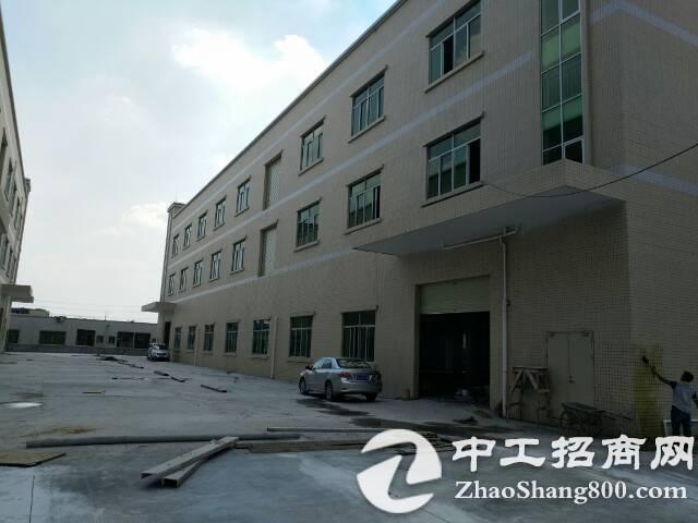 横沥独院厂房2500平方米,水电齐全带装修。
