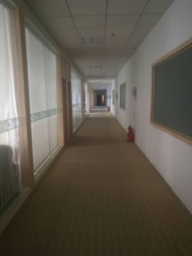 福永沿江高速出口3100平方精装修厂房出租